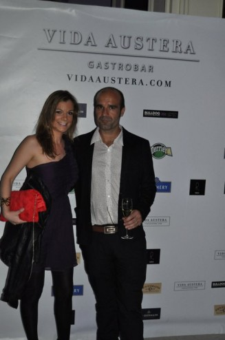 Guillermo Lopez y Patricia Estalrich Vida Austera Fotocall